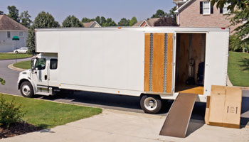 moving truck new home services for Milwaukee